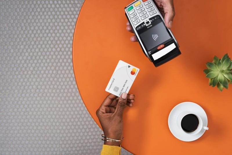 Người tiêu dùng đang dần chuyển sang các phương thức thanh toán không tiếp xúc