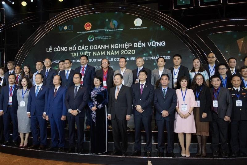 """Anheuser – Busch InBev Việt Nam được vinh danh """"Top 100 Doanh nghiệp phát triển bền vững năm 2020"""""""
