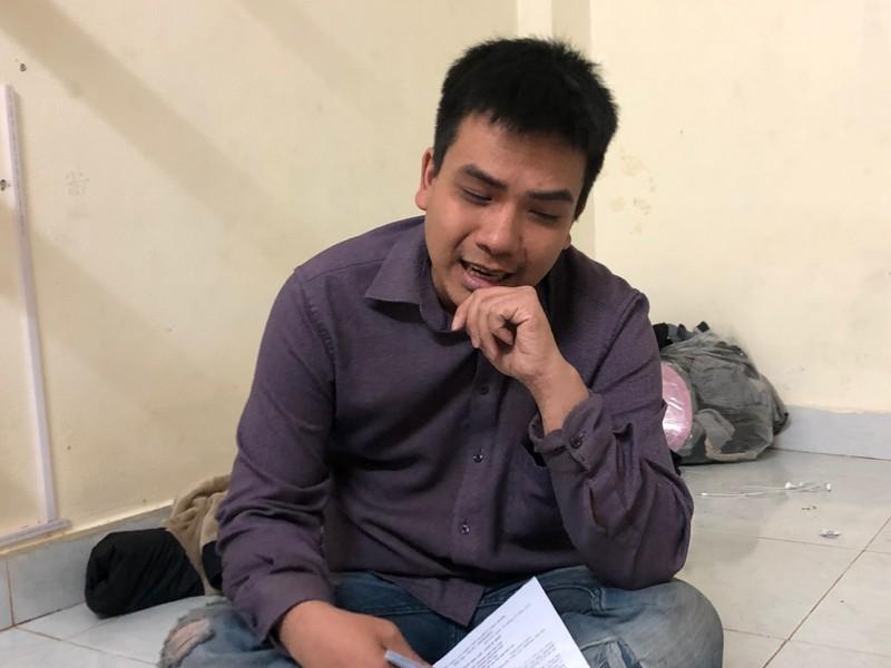 """""""Chuyện khó tin"""" ở Hà Nội:  30 tuổi vẫn chưa được khai sinh!"""