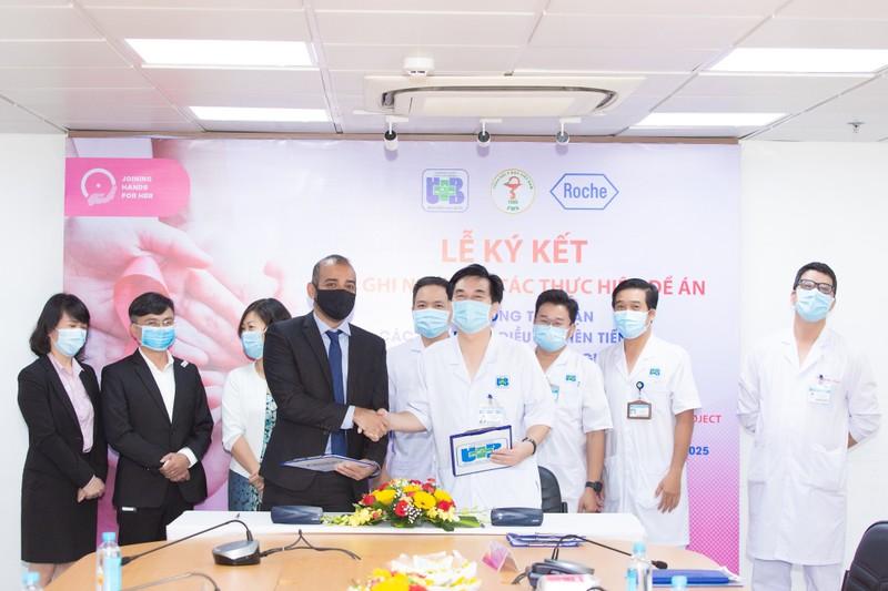 Chính thức triển khai Đề án Tăng cường tiếp cận các liệu pháp điều trị tiên tiến cho người bệnh ung thư vú nguy cơ cao tại Bệnh viện Ung bướu Tp. Hồ Chí Minh