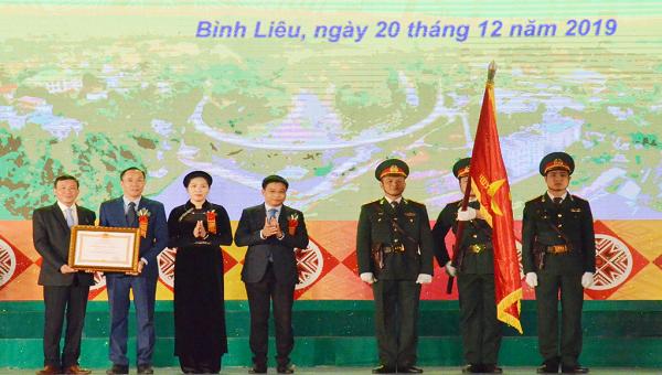 Trao Huân chương lao động Hạng Nhất cho huyện Bình Liêu (Quảng Ninh)