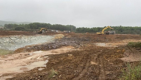 Công ty cổ phần Đầu tư tài nguyên – môi trường Việt Nam ngang nhiên khai thác Antimon khi chưa chuyển đổi đất rừng.
