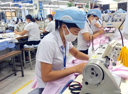 Hàng nghìn người lao động ở Ninh Bình bị ảnh hưởng bởi COVID-19. Ảnh minh họa.