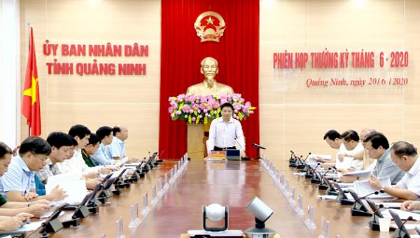 Chủ tịch UBND tỉnh Quảng Ninh Nguyễn Văn Thắng yêu cầu các sở, ngành, địa phương, tiếp tục tháo gỡ khó khăn cho các doanh nghiệp.