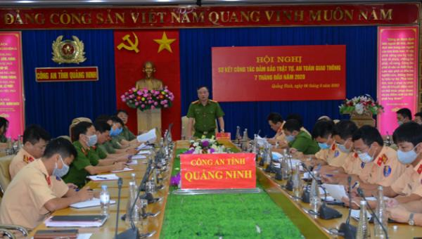 Phó Giám đốc Công an tỉnh Quảng Ninh Nguyễn Thuận yêu cầu lực lượng CSGT tăng cường kiểm soát, xử phạt xe quá khổ, quá tải, cơi nới thành thùng.