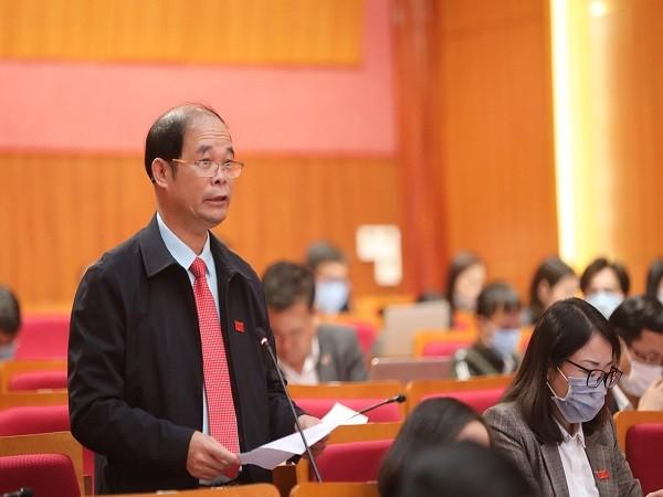 Đại biểu Lưu Văn Thường, Tổ đại biểu huyện Hải Hà, chất vấn Giám đốc Sở NN&PTNT.