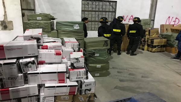 Vụ buôn lậu mỗi ngày hơn 200 tấn hàng hóa tại cửa khẩu Bắc Phong Sinh: Quảng Ninh yêu cầu thay thế cán bộ quản lý