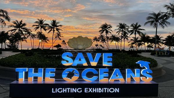 """Triển lãm ánh sáng """"Save the Oceans"""" mang thông điệp ý nghĩa về môi trường."""