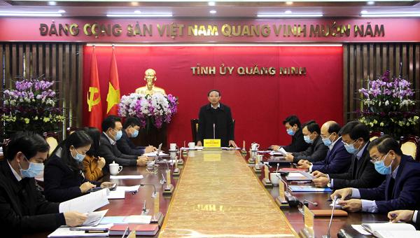Bí thư tỉnh Quảng Ninh Nguyễn Xuân Ký chỉ đạo tại cuộc họp.