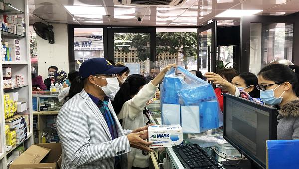 Quảng Ninh kiểm soát thị trường khẩu trang, nước sát khuẩn trước diễn biến của dịch Covid-19