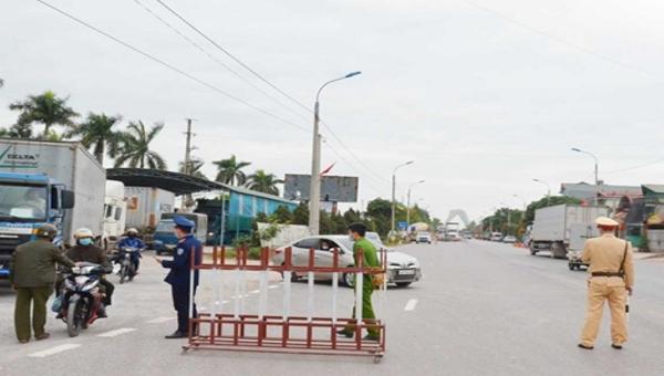 Quảng Ninh phong toả một xã và tăng cường 80 y bác sỹ chống dịch Covid-19 cho TX Đông Triều