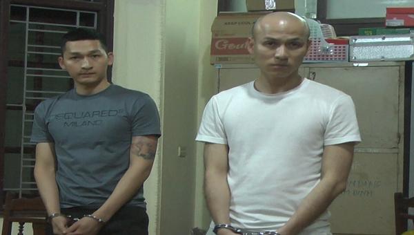 Hai đối tượng tại Cơ quan Cảnh sát điều tra Công an tỉnh Hưng Yên.