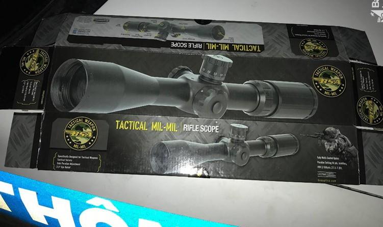 Phát hiện ô tô khách chở vũ khí trái phép do nước ngoài sản xuất
