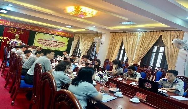 Ông Phạm Quốc Nam - Cục trưởng Cục thi hành án dân sự tỉnh Nghệ An điều hành hội nghị