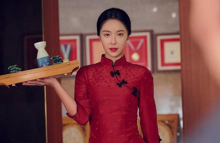 Phim mới của 'bà chủ quán nhậu' Hwang Jung Eum được kỳ vọng