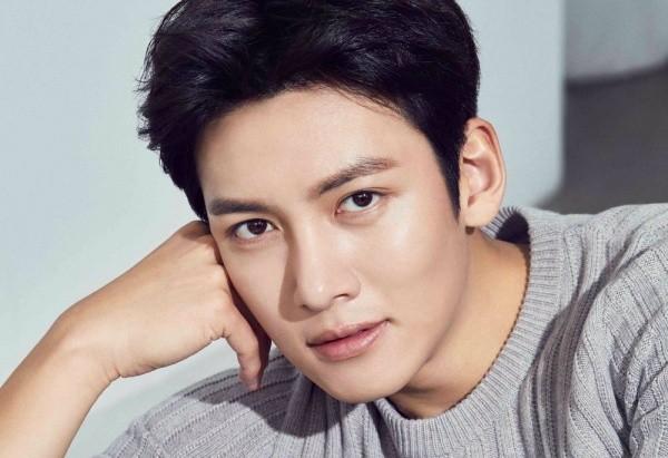 """Bước lùi trong sự nghiệp của """"nam thần hành động"""" Ji Chang Wook"""