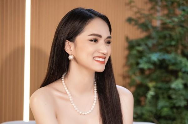 Hương Giang: 'Đi thi Hoa hậu là muốn đổi đời'