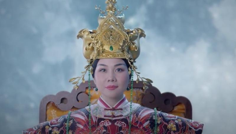 Thanh Hằng đóng Thái hậu Dương Vân Nga