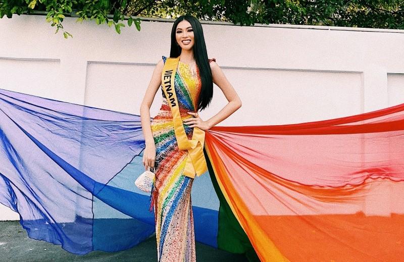 Á hậu Ngọc Thảo nhận nhiều lời khen khi diện chiếc váy đặc biệt.