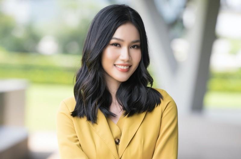 Á hậu Phương Anh: 'Tìm công việc phù hợp sẽ giống như việc tìm bạn trai'