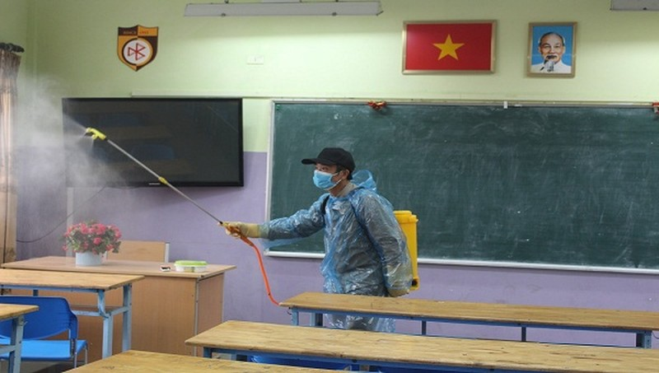 Các cơ sở giáo dục được sử dụng kinh phí CSSKBĐ để mua thuốc sát trùng và xà phòng chống dịch