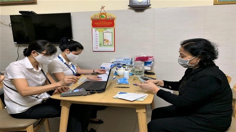 Hà Nội: Chi trả gần 4.000 tỷ đồng lương hưu, trợ cấp BHXH tại nhà cho người hưởng