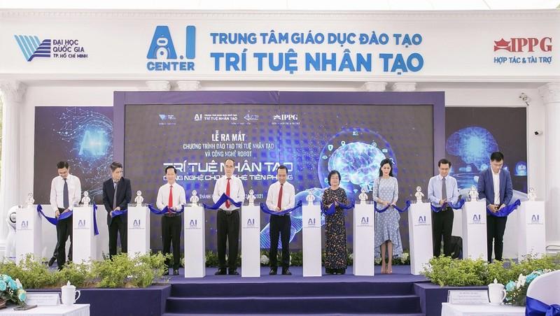 Ra mắt Chương trình Đào tạo trí tuệ nhân tạo và Công nghệ Robot