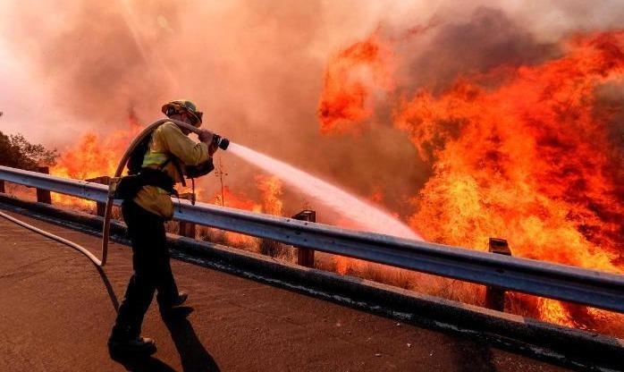 'Bão lửa' ở California khiến ít nhất 66 người chết, 613 người mất tích