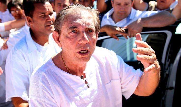 """Hơn 300 phụ nữ cáo buộc bác sĩ """"tâm linh"""" nổi tiếng nhất Brazil lạm dụng tình dục"""