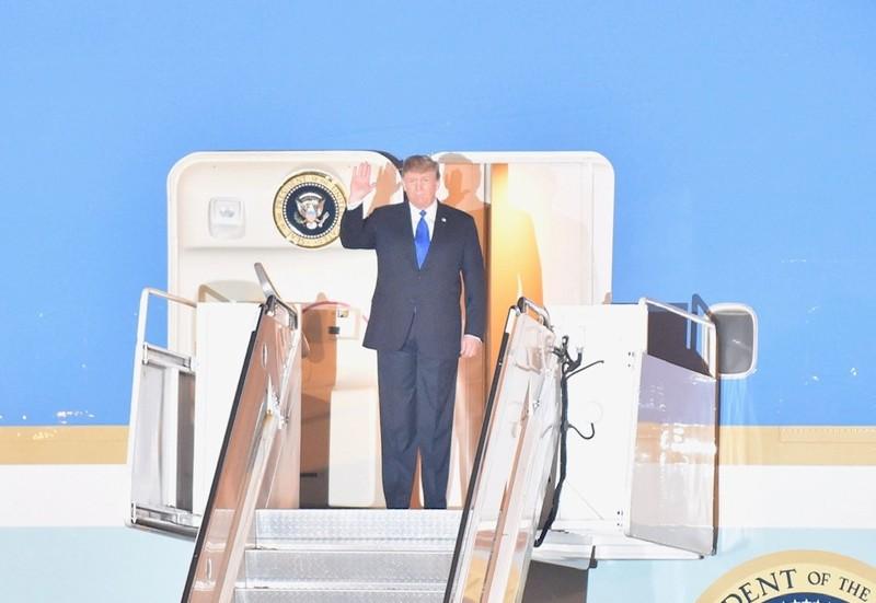 Tổng thống Donald Trump đã tới Việt Nam