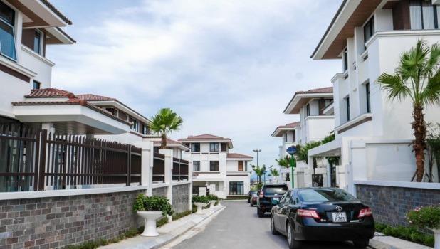 Biệt thự nghỉ dưỡng trên đồi cao tại dự án FLC Hạ Long, một trong những dòng sản phẩm bất động sản FLC thu hút nhiều mối quan tâm của thị trường