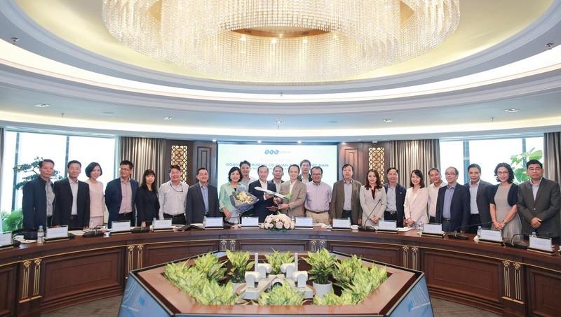 Tập đoàn FLC gặp gỡ và làm việc cùng Đoàn Trưởng các cơ quan đại diện Việt Nam tại nước ngoài nhiệm kỳ 2019 - 2022