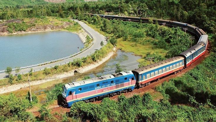 Hành trình từ TP. HCM đến Quảng Bình có khá nhiều phương án di chuyển cho hành khách, trong đó có tàu hỏa