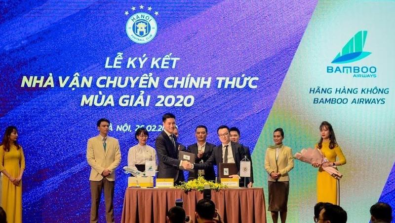 Lễ ký kết giữa Bamboo Airways và CLB Bóng đá Hà Nội