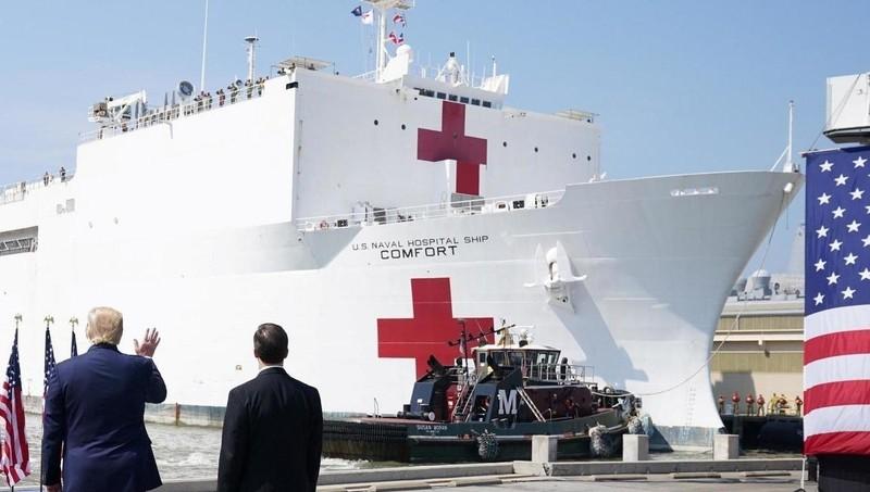 Tàu bệnh viện USNS Comfort của Hải Quân Mỹ.