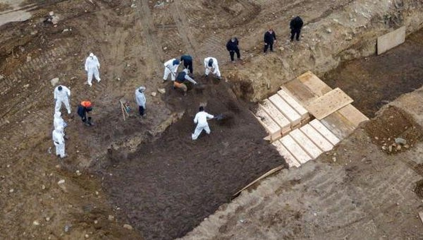 New York chôn cất người chết vì Covid-19 ở đâu?