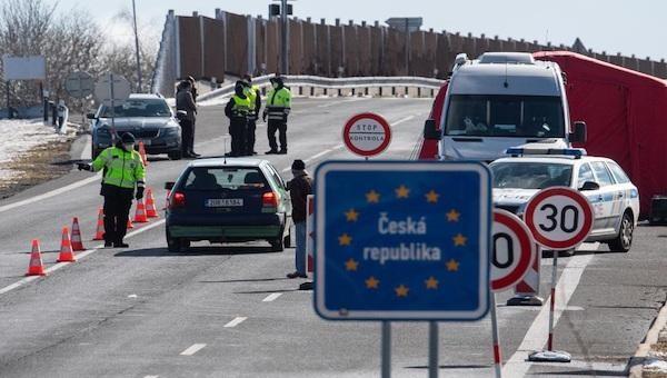 EU xem xét đề xuất cấm khách du lịch Mỹ vì diễn biến dịch Covid-19