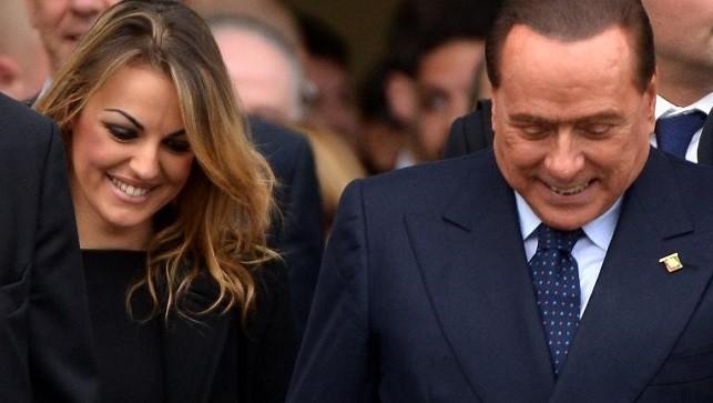 Cựu Thủ tướng  Italia Berlusconi sắp cưới vợ kém 50 tuổi?