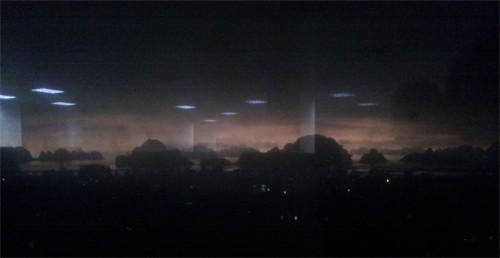 """""""Ngày biến thành đêm"""" ở Quảng Ninh báo hiệu Ngày tận thế?"""