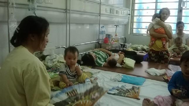 """Bộ trưởng Y tế """"đẩy"""" việc công bố dịch sởi cho Hà Nội?"""