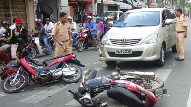Phương tiện đã bán chưa sang tên đổi chủ gây tai nạn giao thông, việc thông báo chuyển nhượng giúp tránh trách nhiệm liên đới của người bán xe.