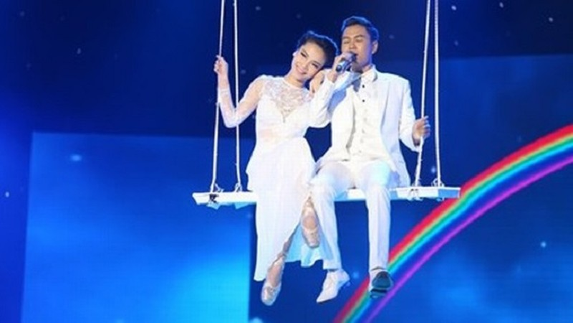 """Thí sinh X-Factor tự ý sử dụng ca khúc độc quyền """"Tìm lại bầu trời"""" của Tuấn Hưng và biến thành thảm họa."""