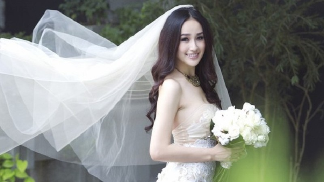 """Hoa hậu Mai Phương Thúy lên tiếng về """"tin đồn"""" bí mật kết hôn"""