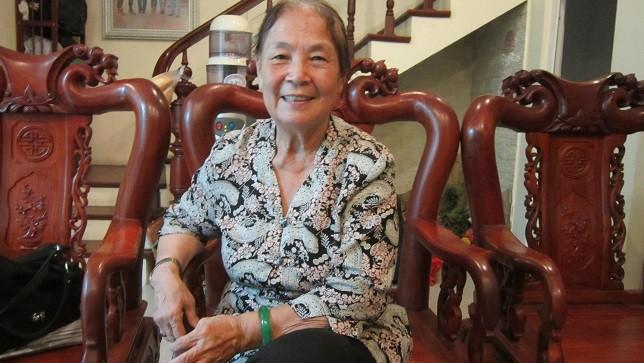 Đã 70 tuổi nhưng bà An vẫn đẹp nền nã.