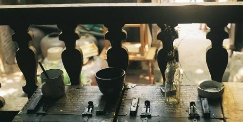 Bên trong 3 quán cà phê hoài cổ ở Hà Nội