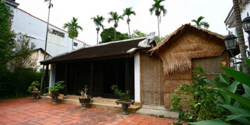 Ngôi nhà 112 Mai Thúc Loan, nơi Bác Hồ và gia đình sinh sống thuở thiếu thời khi đến Huế.