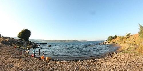 Đón bình minh trên hồ Lago