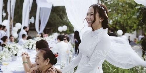"""Phan Như Thảo bày tỏ tình yêu với hôn phu """"đại gia"""""""