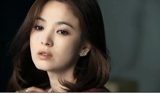 Cơn sốt thời trang từ những bộ phim của Song Hye Kyo