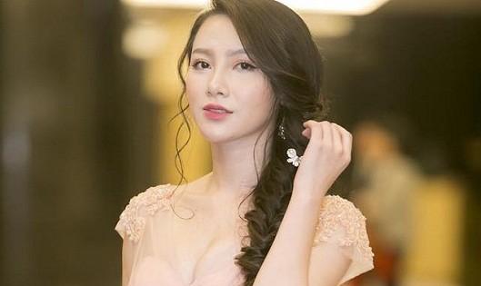 """MC Minh Hà lần đầu lên tiếng chuyện """"giật chồng"""", lên xe hoa"""